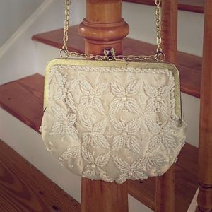 Vintage purse perfect for the Holidays